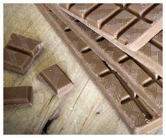 Pro milovníky mléčné čokolády máme tuto 40% madagakarskou čokoládu, která obsahuje jen malé množství třtinového cukru, kakaovou hmotu, kakaové máslo a mléko. Výtečná a návková!