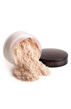 LM Translucent Setting Powder. Seals concealer & foundation and creates a soft veil on the skin. It will not let your makeup sweat off!