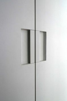 S Min Door Pull Powder Coated White modern Door Furniture, Door Pulls, Entrance Doors, Powder Coating, Hardware, Ceiling Lights, Lighting, Architecture, Modern
