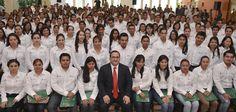 El gobernador Javier Duarte de Ochoa tomó protesta a los profesores que ingresan al Servicio Profesional Docente de Educación Básica.