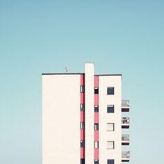 The Milan-Based photographer Giorgio Stefanoni brings us a different perspective on Milanese architecture. He present journey through shapes and colours of lesser-known architectures of Milan in hi… Minimal Photography, Urban Photography, Geometric Photography, Pastel Photography, Landscape Photography, Design Set, Minimalist Architecture, Architecture Design, Creative Architecture