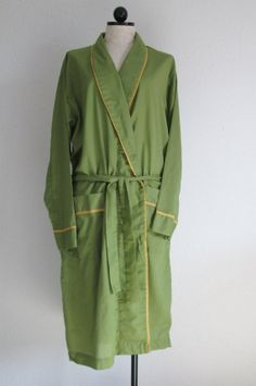 Men's gold & green robe #TribePride #WMAlumni #WMAA