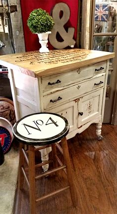 Painted dresser island with graphic from The Graphics Fairy and putting words on furniture. Refurbished Furniture, Repurposed Furniture, Shabby Chic Furniture, Furniture Makeover, Painted Furniture, Stool Makeover, Distressed Furniture, Vintage Furniture, Shabby Chic Kitchen