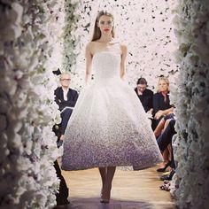 Inspiração Dior  #vestidodenoiva #casamento #brides #noivas
