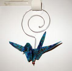 Magpie Shinies: No-Sew Fabric Origami Crane Ornaments - Tutorial Origami Swan, Origami Dragon, Origami Fish, Origami Folding, Useful Origami, Origami Art, Origami Cranes, Easy Origami, Origami Butterfly