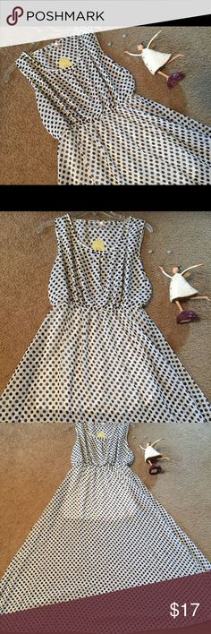 NEW Black & White Polka Dots Semi Sheer Sz Medium New long Dress Black and White polka dots Semi Sheer with short shirt line undershirt. No size tag, I believe it would fit a Medium. Please see photos for additional details. Thanks and Kind Regards Dresses Maxi