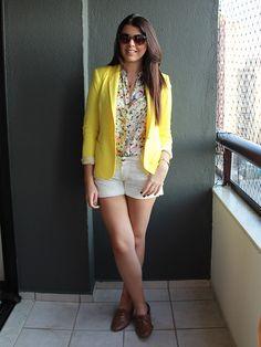 White Shorts - Just Lia Camisa Floral, Short Branco, Blazers, Blazer Shirt, Zara, Yellow Submarine, Poses, My Wardrobe, White Shorts