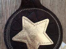 Schlüsselanhänger braun Kroko mit goldenem Stern