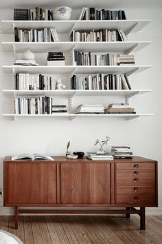 how to style a console on apartment 34