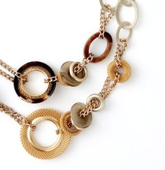 Short Horn and Mesh Rings Necklace