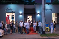 Ewa i Piotr Krajewscy, projektanci mody, niedawno porzucili Warszawę dla Gdyni, gdzie wraz z marka kosmetyczną Chili 5 sierpnia otworzyli pierwsze Atelier Krajewscy & Chili Beauty. http://artimperium.pl/wiadomosci/pokaz/638,atelier-krajewscy-chili-beauty-juz-otwarte#.VcdjT_ntmko