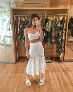 Baby Clothes Brands, Looks Chic, Feminine Style, Indian Bridal, Christmas And New Year, Everyday Outfits, Look Cool, Ideias Fashion, Fashion Dresses