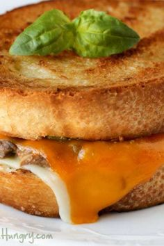 Mushroom Grilled Cheese with Broccoli Pesto Broccoli Pesto, Feeding A Crowd, Quick Recipes, Slow Cooker, Grilling, Sandwiches, Stuffed Mushrooms, Dinner Recipes, Brunch