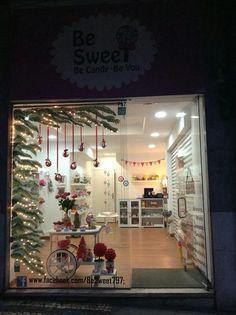 Christmas Window Display, Christmas Window Decorations, Holiday Decor, Nordic Christmas, Christmas Store, Xmas, Gift Shop Interiors, Egg Carton Crafts, Store Window Displays