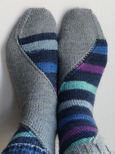 A sinuous sockitecture adventure! Free pattern on Ravelry.