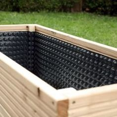 Build planters yourself - Build planters yourself Informations About Pflanzgefässe selber bauen Pin You can easily use my pro - Wooden Garden Planters, Pallet Planters, Vegetable Garden Design, Garden Trellis, Garden Boxes, Diy Garden Decor, Raised Garden Beds, Garden Planning, Garden Projects