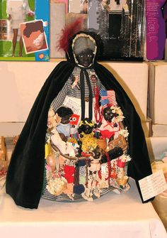 Rare black peddler doll.. courtesy of Kathy Grimm repin