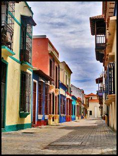 calle de los lanceros.detalles puerto cabello (venezuela)