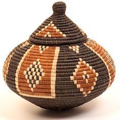 Zulu Ilala palm basket - ukhamba