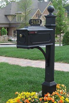 Williamsburg Estate Mailbox System (Estate Post   Black)
