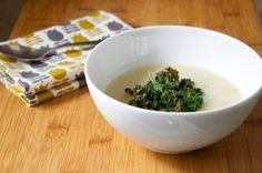roasted garlic soup with crispy kale chips