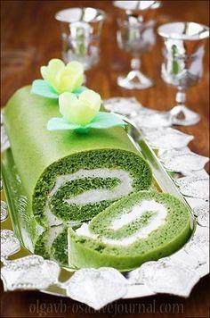 """После всей этой истории с новой книгой десертов Дюкана и особенно от ответа самого месье, как-то стало грустно и противно... По словам Дюкана, диетическая еда """"НИКОГДА не будет выглядеть идеально на фото"""", поэтому они для книги фотографировали еду, приготовленную из обычных, запрещенных… Super Rapido, Matcha Cake, Tart, Green Cake, Magic Recipe, Special Recipes, Culinary Arts, Cake Recipes, Bakery"""