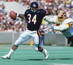 Walter Payton of the Chicago Bears carrying the ball against the Washington Redskins during the at Soldiers Field in Chicago Illinois Nfl Football Players, Bears Football, Cowboys Football, Football Helmets, Dallas Cowboys, Houston Texans, College Football, Chicago Bears Pictures, American Football League