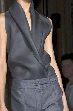 Yves Saint Laurent at Paris Fashion Week Spring 2012 - StyleBistro Fashion Week, Paris Fashion, Runway Fashion, Womens Fashion, Fashion Details, Look Fashion, High Fashion, Fashion Design, Grey Fashion