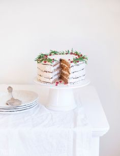 Gluten Free Vegan Gingerbread Christmas Wreath Cake | Christmas Desserts