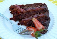 Party Piece Vegan Chocolate Cake  - http://www.veganbirthdaycake.org/party-piece-vegan-chocolate-cake/ #vegan #recipes