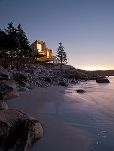 Two Hull House by MacKay-Lyons Sweetapple Architects