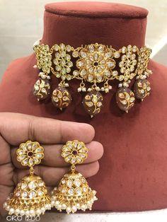 Jewelry Design Earrings, Jewelry Sets, Unique Jewelry, Pakistani Jewelry, Bollywood Jewelry, Indian Jewellery Design, Indian Jewelry, Indian Necklace, How To Look Classy