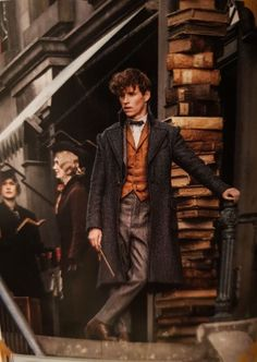 Can he stop looking like a fucking model for just a sec. Eddie Redmayne Fantastic Beasts, Fantastic Beasts Movie, Fantastic Beasts And Where, Draco Y Hermione, Draco Malfoy, Hermione Granger, Harry Potter Characters, Harry Potter World, Newton Scamander