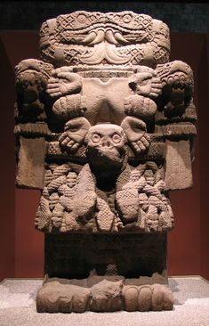Arte azteca, efigie de Coatlicue - Piedra, siglo XV