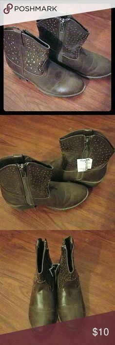 I just added this listing on Poshmark: Girls  size 4 cow boy boots never used nwt. #shopmycloset #poshmark #fashion #shopping #style #forsale #Paris Blues #Shoes