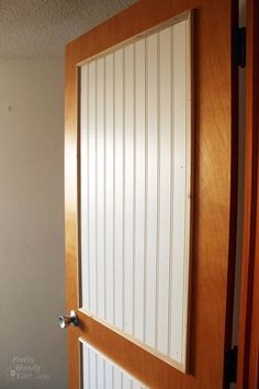 How to Add Decorative Molding to Flat Doors - Mobile Home Repair Mobile Home Doors, Mobile Home Repair, Mobile Homes, Mobile Mobile, Home Improvement Projects, Home Projects, Furniture Projects, Hollow Core Doors, Home Remodeling Diy