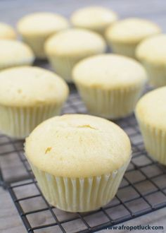 <br> Easy Vanilla Cupcake recipe from scratch – Who doesn't love a homemade light and fluffy Vanilla cupcakes? Especially homemade cupcakes made from scratch? Homemade Vanilla Cupcakes, Moist Vanilla Cupcakes, Chocolate Cupcakes, Homemade Cupcake Recipes, Chocolate Recipes, Cupcake Decoration, Diy Cupcake, Cupcake Cakes, Gourmet