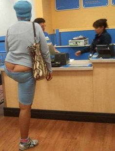 25 Ridiculous People of Walmart You Hope to Never Run Into - DrollFeed Weird People At Walmart, Walmart Funny, Only At Walmart, Funny People, Funny Things, Funny Stuff, Epic Fail Pictures, Funny Pictures, Funny Pics