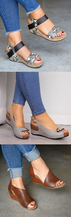 Mensootd is filled with the season's hottest trends, available in all sizes. You can buy the trendy fashion shoes, clothing and bags here. Enjoy your shopping journey now! 60 Fashion, Fashion Corner, Fashion Shoes, Womens Fashion, Cute Sandals, Open Toe Sandals, Cute Fall Outfits, New Outfits, Buy Shoes