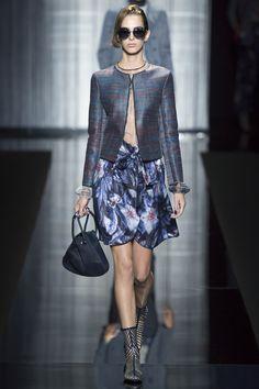 Giorgio Armani Spring 2017 Ready-to-Wear Fashion Show - Nicole Langes