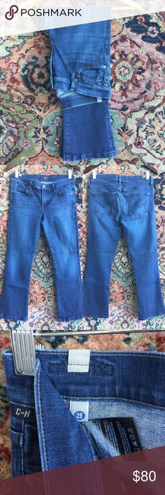 """Citizens of Humanity Jeans Soft with stretch! A darker blue to go with anything! In excellent condition with no issues and a slight flare at the opening of the leg. Cropped! 14.75"""" waist, 8.5"""" rise and 25"""" inseam. Citizens of Humanity Jeans Ankle & Cropped"""