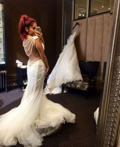 snooki tries on wedding dresses