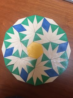 Pattern Block Dodecagons (many samples! Math practice with spacial reasoning and symmetry Math Patterns, Barn Quilt Patterns, Paper Piecing Patterns, Pattern Block Templates, Pattern Blocks, Penrose Tiling, Tessellation Patterns, Radial Pattern, English Paper Piecing