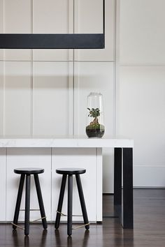 Australian Interior Design, Interior Design Awards, Interior Design Kitchen, Interior Colors, Interior Plants, Black Kitchens, Cool Kitchens, Kitchen Black, Home Decor Kitchen