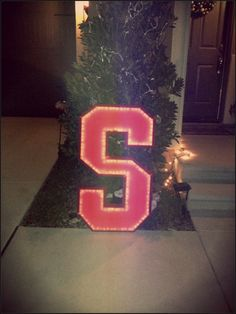Block 'S' Lighted Yard (or Window) Display for the Stanford University Sports Fans <> Custom built by Karse Designs <> $125 <> visit us on Facebook at https://www.facebook.com/KarseDesigns <> KarseDesigns2012@gmail.com