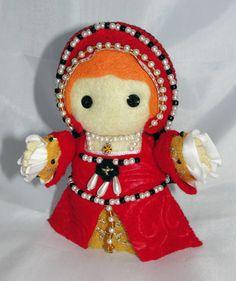 Little Tudor felt dolls. Adorable!
