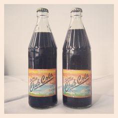 Frisch in unserer Sammlung: Zwei ungeöffnete Flaschen Club Cola. Wie die wohl schmeckt? /mg #ddrmuseum
