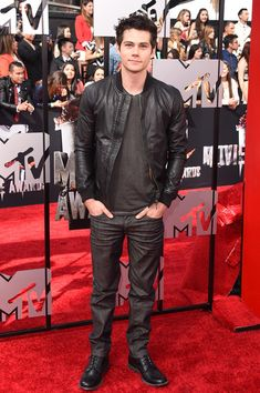 Dylan O'Brien Photos - Actor Dylan O'Brien attends the 2014 MTV Movie Awards at Nokia Theatre L. Live on April 2014 in Los Angeles, California. - Arrivals at the MTV Movie Awards — Part 2 Dylan O'brien Maze Runner, The Maze Runner, Dylan O'brien 2014, Teen Wolf, Bae, Dylan Obrian, Dylan Sprayberry, O Brian, Mtv Movie Awards