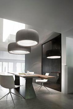 IL MEGLIO DEI PROGETTI DA ABITARE | Silenzio di Luceplan | Monica Armani alterna grandi lampade a sospensione e pannelli luminosi per interpretare la luce e creare un'atmosfera calda e intima. | #design #arredamento #casa #illuminazione #led #ADI2014 @luceplan |
