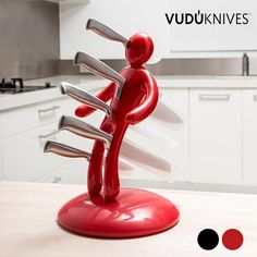 If you love to get your hands on innovative products and to surprise everyone with original and cutting-edge designs, the Vudú Knives knife holder & knife s